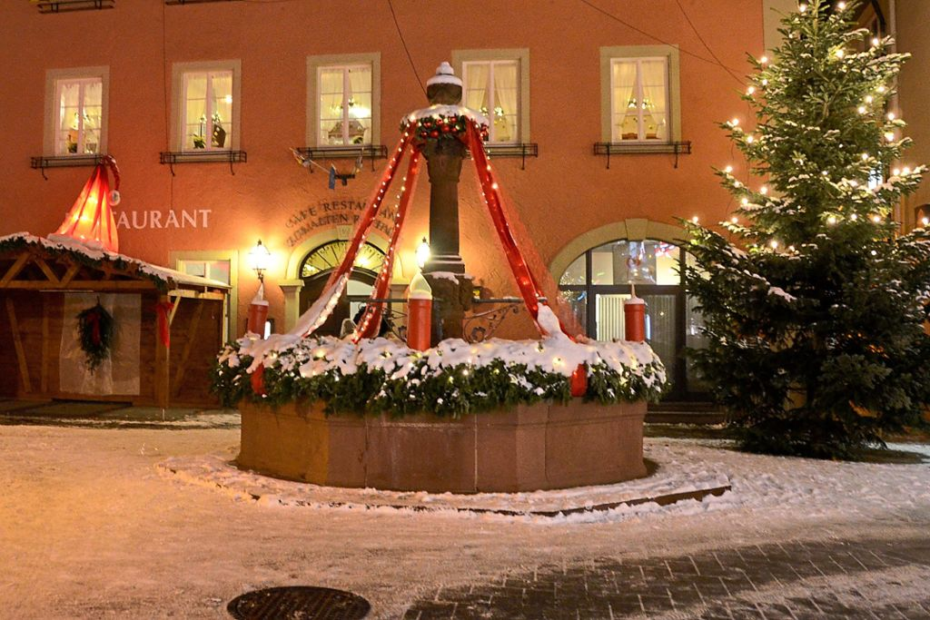Weihnachtsbeleuchtung Glühlampen.Oberndorf A N Und Es Wurde Licht Oberndorf A N