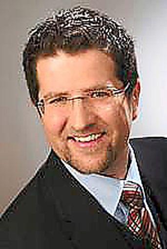 Daniel Röthlinberger ist neuer Pfarrer der evangelischen Kirchengemeinde in Fluorn.   Foto: Röthlinberger Foto: Schwarzwälder Bote
