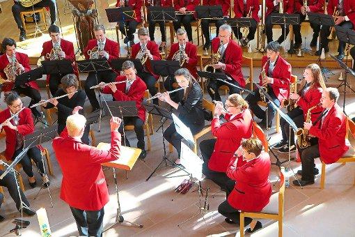 Ein abwechslungsreiches Programm mit Kompositionen aus verschiedenen Epochen bot die Stadtkapelle zur Feier ihres 160-jährigen Bestehens.  Foto: Adrian Foto: Schwarzwälder-Bote