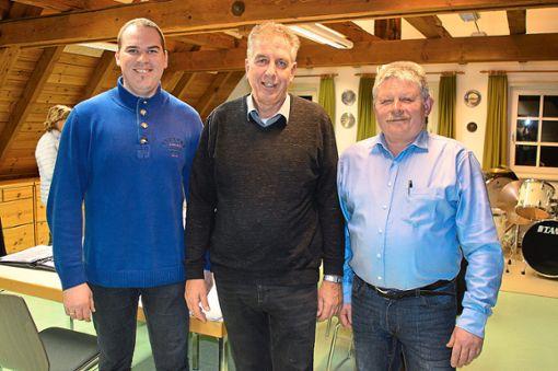 Gregor Plocher (Mitte) wird dem Gemeinderat als neuer Ortsvorsteher empfohlen. Als Stellvertreter sind Armin Hipp (rechts) und Andreas Walter vorgesehen.  Foto: Cools Foto: Schwarzwälder Bote