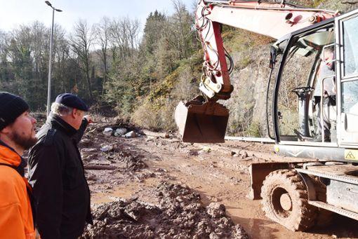 Der Bauhof rückte mit einem Bagger an. (Symbolfoto) Foto: Wegner