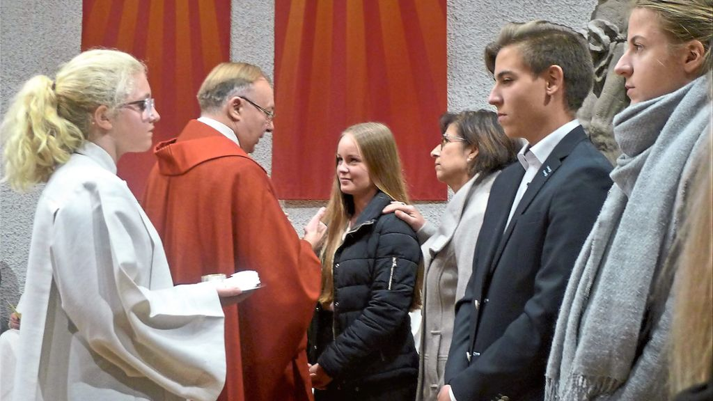 Haigerloch: 43 neue Vollbürger ins Reich Gottes aufgenommen - Haigerloch - Schwarzwälder Bote