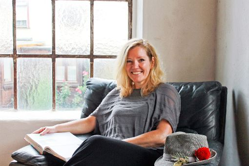 Cornelia Schoch-Koegel aus Haslach ist zertifizierter Schwarzwald-Guide und wird künftig begleitetes Wandern und Pilgern anbieten.   Foto: Störr