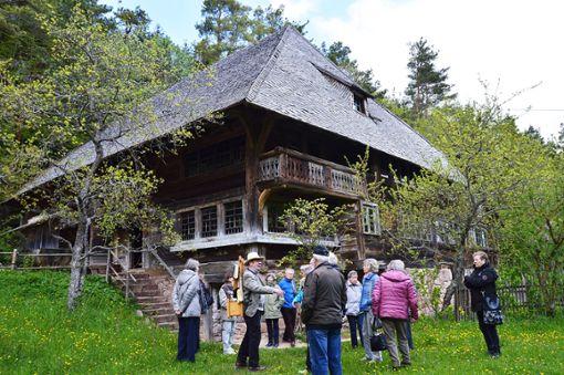 Bäse Hans kommt in so manches Schwarzwaldhaus.   Foto: Lissy Foto: Schwarzwälder Bote